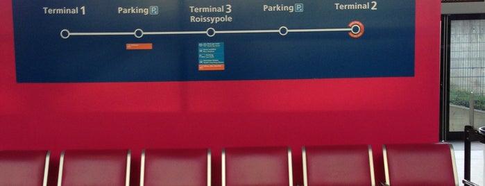 CDGVAL Terminal 2 Gare is one of สถานที่ที่ Ernesto ถูกใจ.