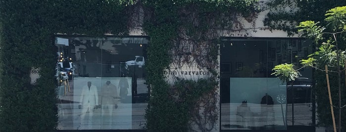 John Varvatos West Hollywood is one of ANDREW JOHANN'ın Kaydettiği Mekanlar.