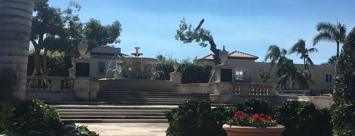 Palm Beach Memorial Fountain is one of Florida.