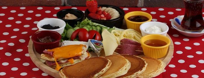 F.R.I.E.N.D.S Pancake is one of สถานที่ที่บันทึกไว้ของ Emre.