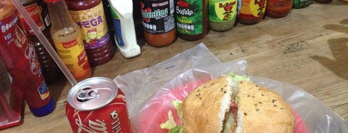 Coyote Burger is one of Tempat yang Disukai MarMich.