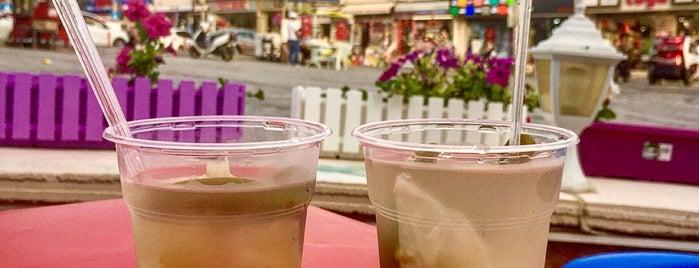 Çeşme Turşucusu ++Vitamin Bar is one of İzmir2.