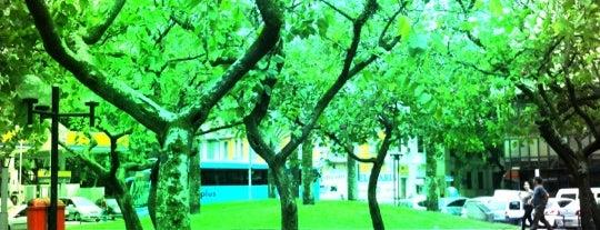 Praça Chaim Weizmann is one of Meus locais preferidos.