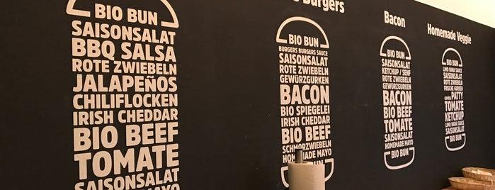 Burgers Burgers is one of สถานที่ที่ Marc ถูกใจ.