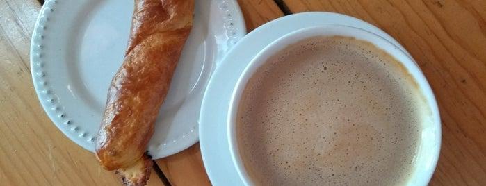 Panadería Regis is one of Locais curtidos por Gabriela.