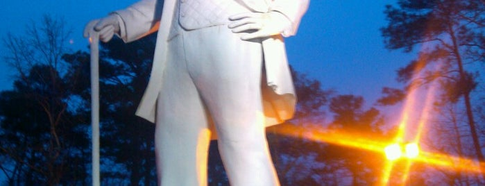 Sam Houston Statue is one of Posti che sono piaciuti a KATIE.