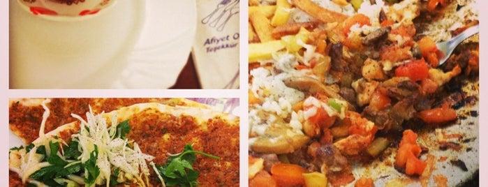 Oz Demir Restaurant is one of Posti che sono piaciuti a Matei.