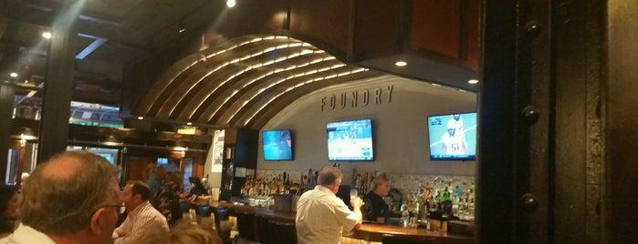 Foundry Kitchen & Bar is one of Lieux qui ont plu à Sarah.