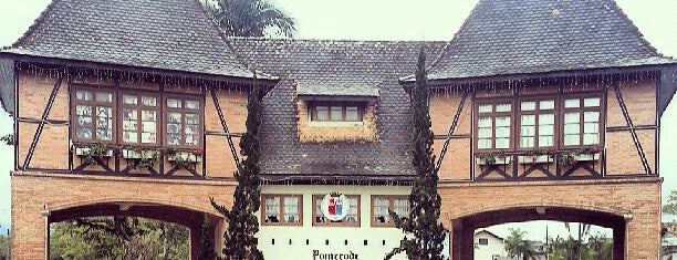 Portal de Pomerode is one of Blumenau.