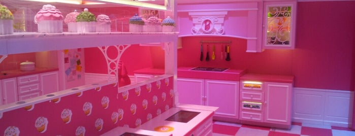 Barbie Dreamhouse Experience is one of to do list in Berlin.
