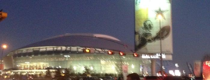 AT&T Stadium is one of Estadios.
