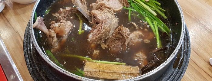 감나무집 is one of Restaurant.