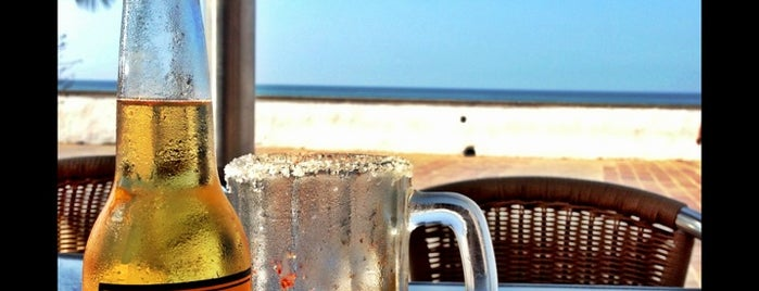 Day Off Beach Bar is one of Viaje Vallarta.