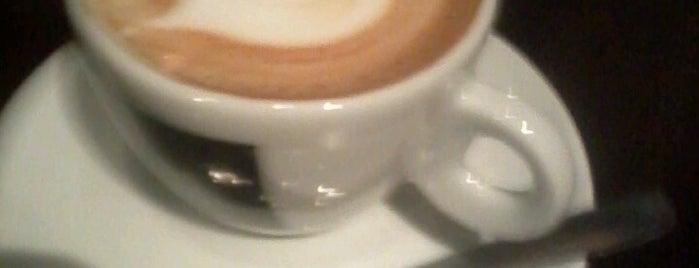 Lucca Café is one of CWB - Cafés.