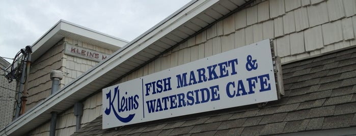 Klein's Seafood Restaurant is one of Lizzieさんの保存済みスポット.