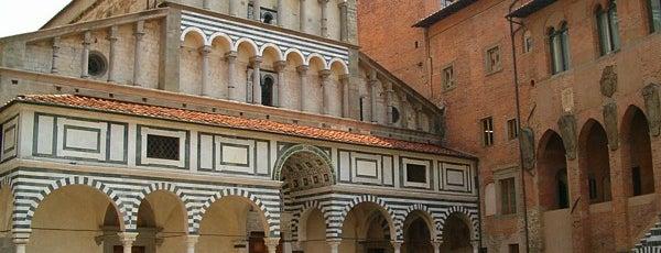 Cattedrale di S. Zeno is one of Pistoia.