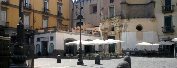 Largo San Domenico is one of Salvatoreさんのお気に入りスポット.