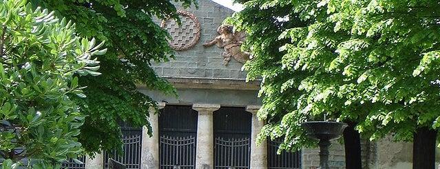 Pantheon degli Italiani Illustri is one of Pistoia.