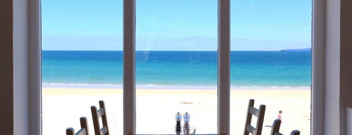 Porthminster Beach Café is one of Locais curtidos por Ashleigh.