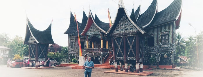 Batusangkar is one of Cities in Indonesia.