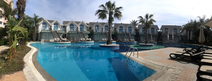 Long Beach Villa Evleri is one of Lieux qui ont plu à Ali.
