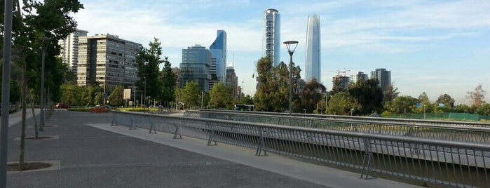 Plaza Perez Zujovic is one of Lugares, plazas y barrios de Santiago de Chile.