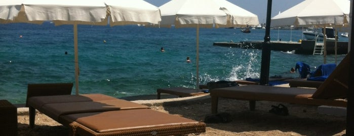 Hotel Spetses is one of Ifigenia: сохраненные места.