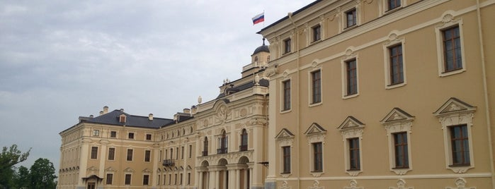 The Konstantin Palace (The National Congress Palace) is one of Top 5 palaces near St. Petersburg.