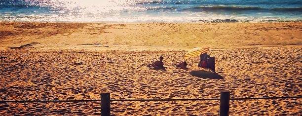 Praia do Aterro is one of สถานที่ที่ Anastasia ถูกใจ.