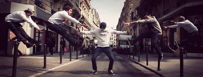 Tealer is one of Paris.