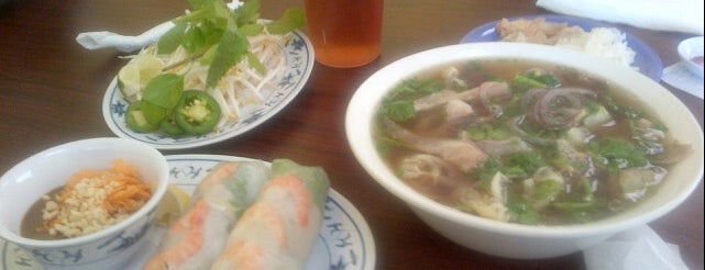 Pho VN 21 is one of Locais curtidos por Andrew.