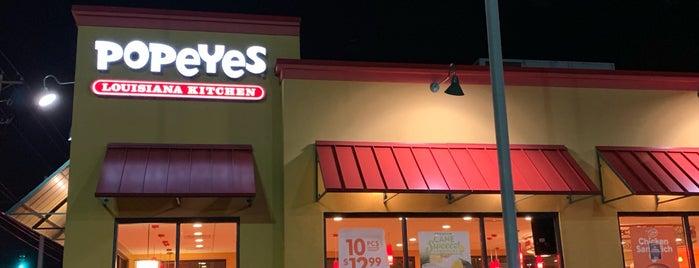 Popeyes Louisiana Kitchen is one of Maxine'nin Kaydettiği Mekanlar.