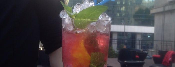 Dubai Lounge is one of Lieux qui ont plu à Dima.