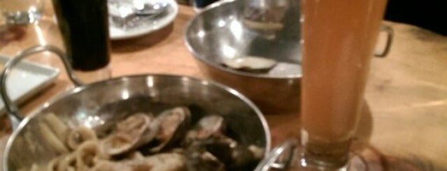 Upstate Craft Beer and Oyster Bar is one of nycboro.
