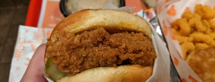 Popeyes Louisiana Kitchen is one of kevinさんのお気に入りスポット.