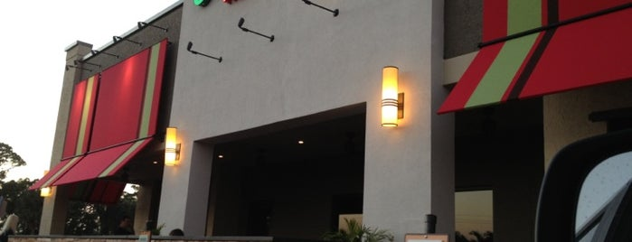 Carrabba's Italian Grill is one of Meganさんのお気に入りスポット.