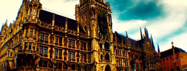Neues Rathaus is one of MUN.