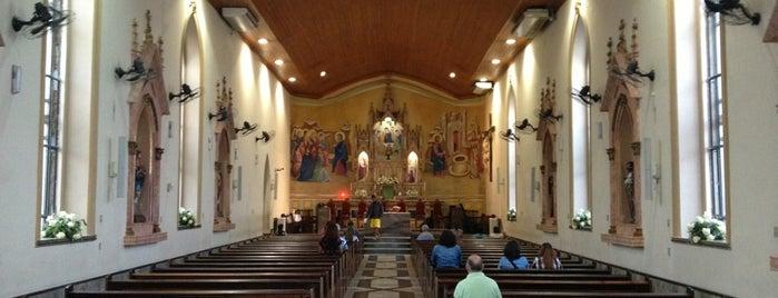 Igreja da Santíssima Trindade is one of Lieux qui ont plu à Vanja.