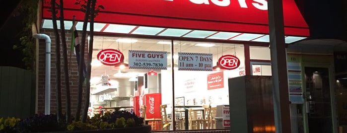 Five Guys is one of Lieux qui ont plu à Charles.