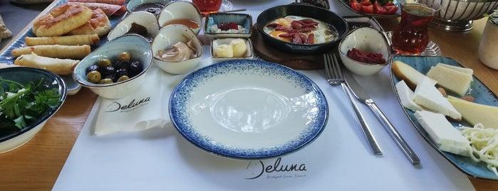 Deluna is one of Lugares guardados de Merve.