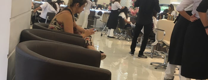 Art Hair Creative Salon is one of Gilce Elaine 님이 좋아한 장소.