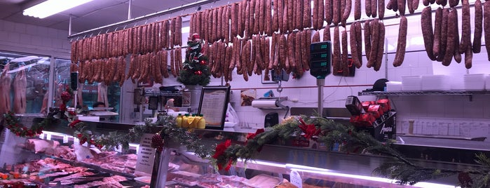International Meat Market is one of Lieux qui ont plu à thewandering1.