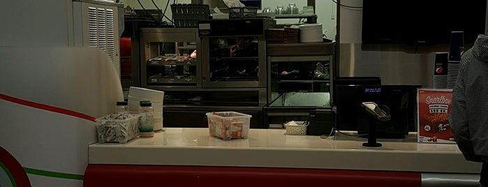 KFC / TacoBell is one of Posti salvati di N..