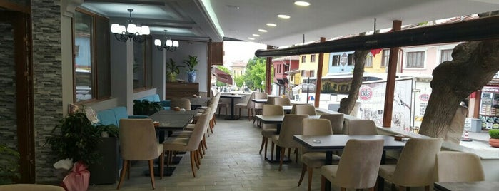 Ahavi Cafe | Bistro is one of Lugares favoritos de ismail.