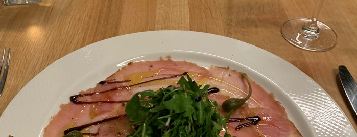 gastronomia villani is one of สถานที่ที่ Doris ถูกใจ.