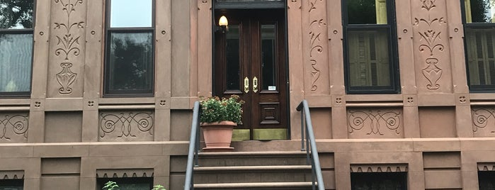 Carroll Gardens is one of New York.
