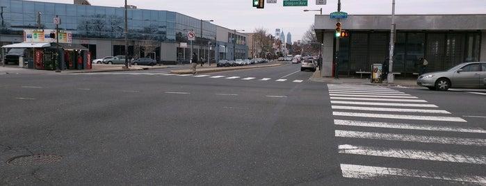 Broad Street & Oregon Avenue is one of Posti che sono piaciuti a Jamez.