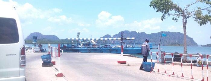 Krabi-Ko Lanta Ferry is one of Thailand.