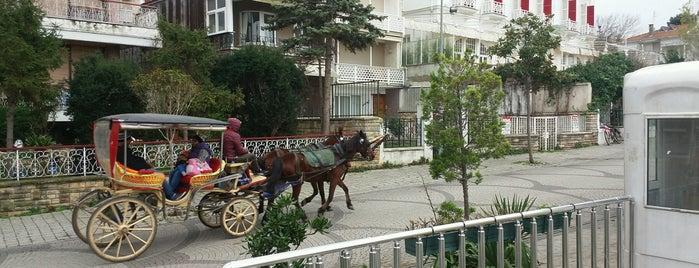 Orası Burası is one of สถานที่ที่ ESRA👑 ถูกใจ.