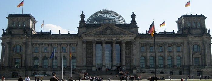 Reichstag is one of 建築マップ ヨーロッパ.
